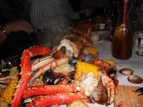 The Crab Pot Seafood Restaurant: crab pov