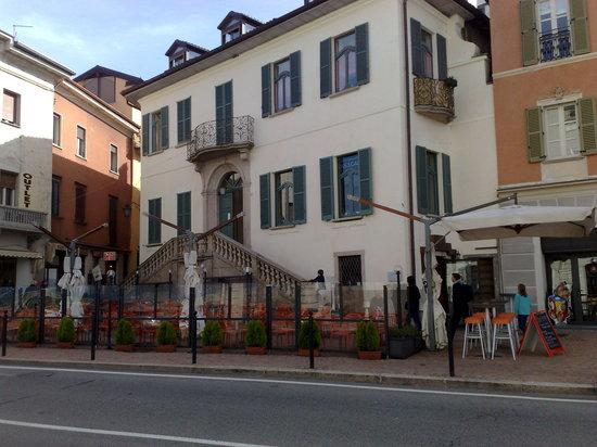 Luino, Italien: esterno del locale