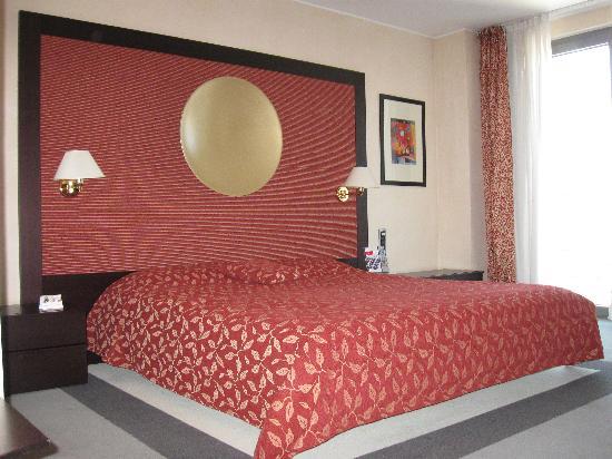 Austria Trend Hotel Ljubljana : La stanza  n.324 ( bella e grande )