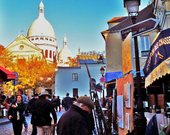 Paris, France: Montmartre's artist-filled Place du Tertre