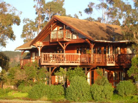 Oyster Creek Lodge : view from lagoon