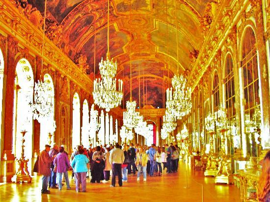 París, Francia: Versailles' Hall of Mirrors - Oct 14, 2010