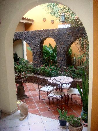 Los Crotos, Posada-Restaurant-Cafe: One of several places throughout the hotel to relax.
