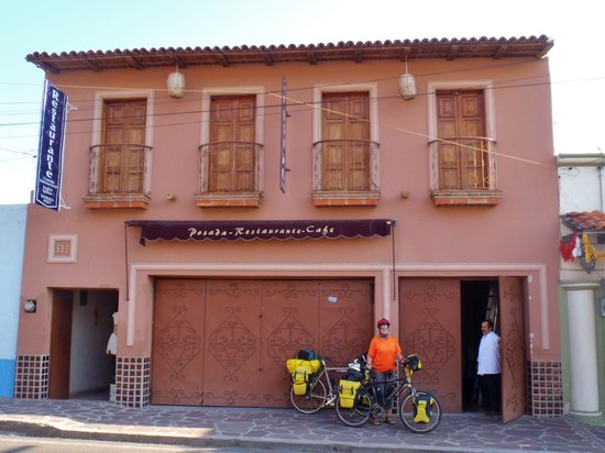 Los Crotos, Posada-Restaurant-Cafe: Front of Hotel