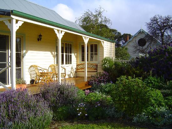 Margate Cottage Boutique Bed & Breakfast: Cosy Cottage!