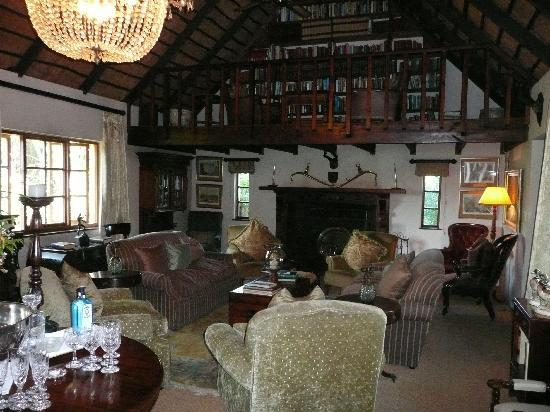 Hunter's Country House: inside the main house in the lounge