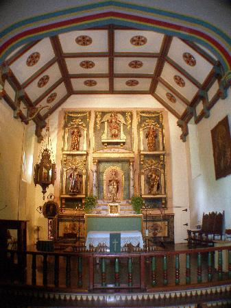Mission San Gabriel Archangel : The alter