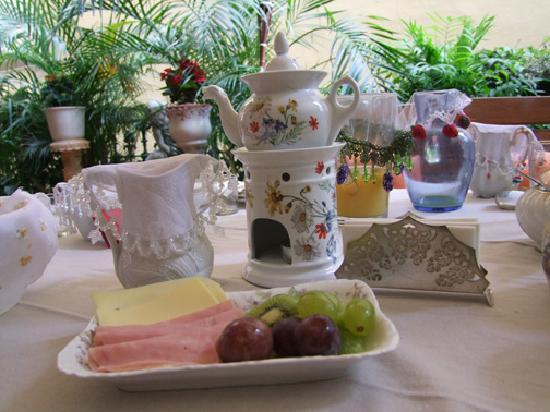 Hostal L' Antic Espai: breakfast
