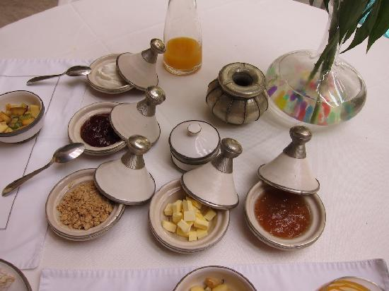 AnaYela: A breakfast fit for a sultan