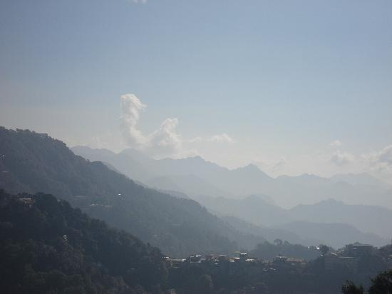 Mussoorie, Inde : the himalayan range of mountains