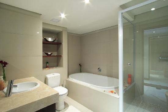 En Suite Bathroom South Africa: VIP Living Luxury Hotel Apartments
