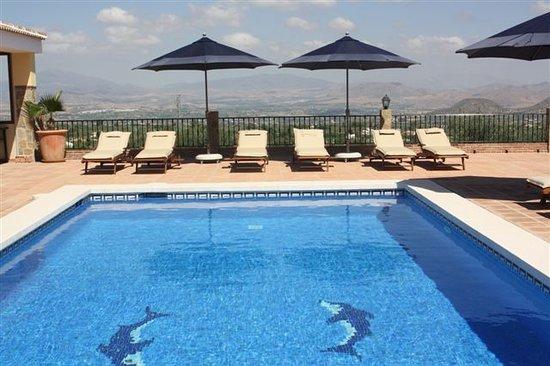 Finca Sonrisa: Swimming pool