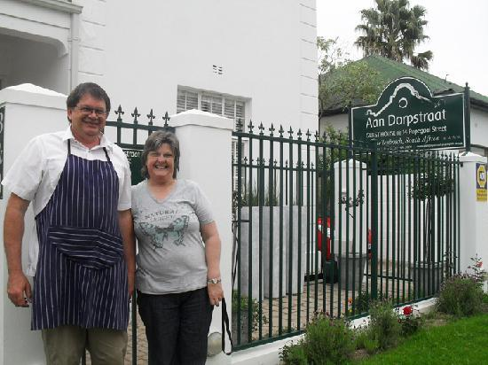 Aan Dorpstraat Guest House: The sweetest couple in Stellenbosch.....Johan & Gwen (Owners)