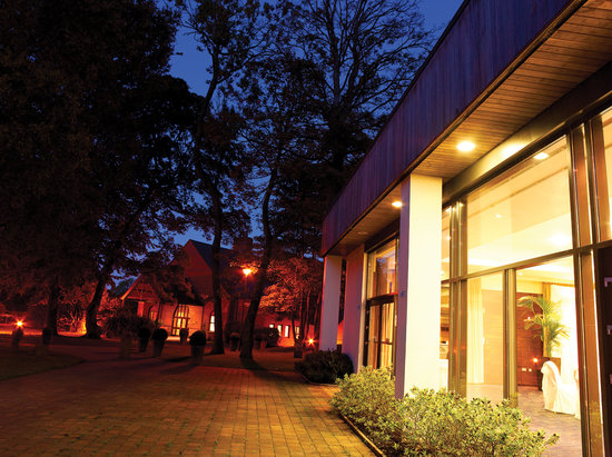 Clandeboye Lodge Hotel: Fancy a non suburban setting?