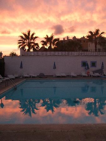 Blue Sea La Pinta: Atardecer en la terraza