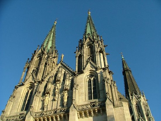 Olomouc, Tsjechië: The three spires of Saint Wenceslas