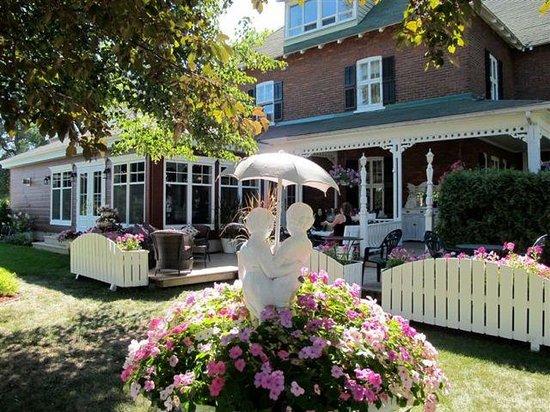 Manoir Becancourt: Garden