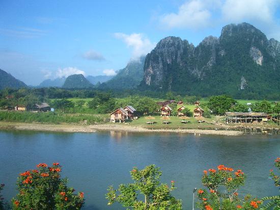 โรงแรมวันสนา วังเวียง: View from our room