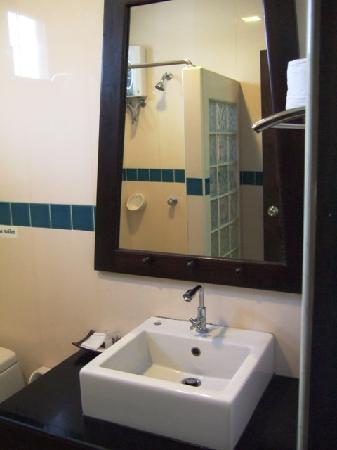 โรงแรมบ้านอันดามัน เบด แอนด์ เบรคฟาสต์: Bathroom