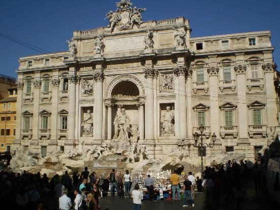 Accademia Hotel : Fontana di Trevi