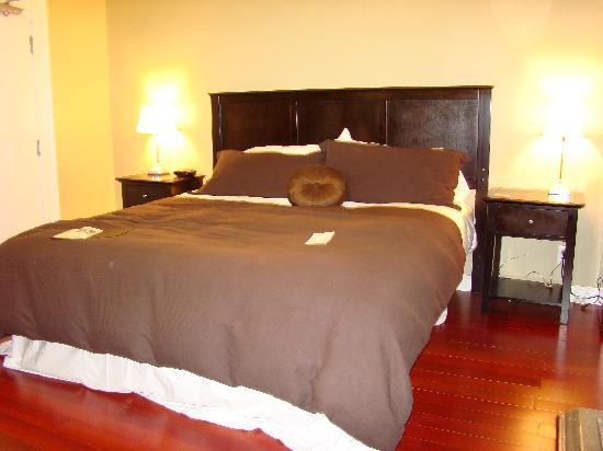 Duckworth Hotel: Bed