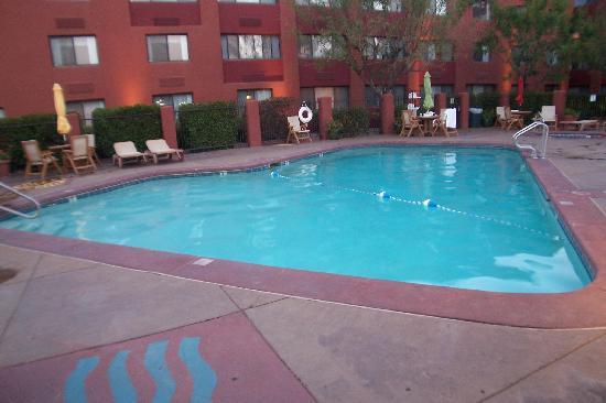 The Swimming Pool Picture Of Best Western Plus Rio Grande Inn Albuquerque Tripadvisor