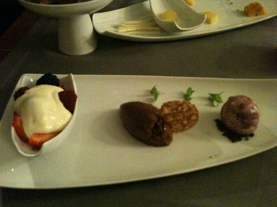 Restaurant Lastage: Prepare to be spellbound with lots of small inbetween courses!