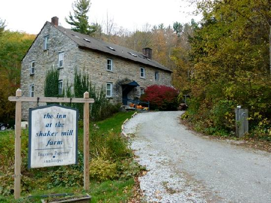 Inn at the Shaker Mill Falls: The inn