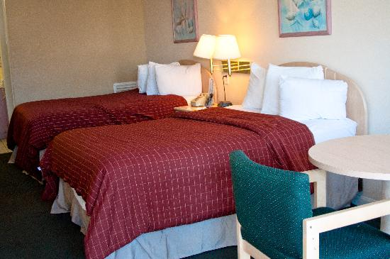 Rodeway Inn: 2 Double Beds Room