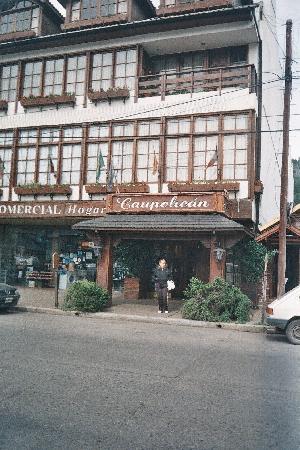 Hotel Caupolican: Frente del hotel-S.M. de los Andes