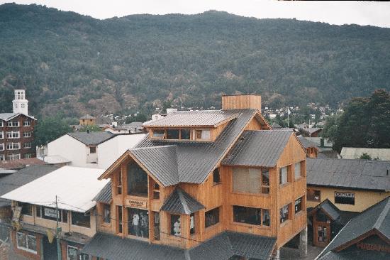 Hotel Caupolican: Vista desde el hotel a las montañas-