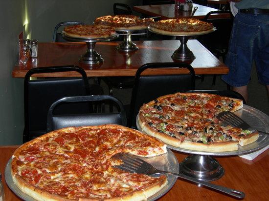 Upper Crust Pizza : Pizza anyone!!!