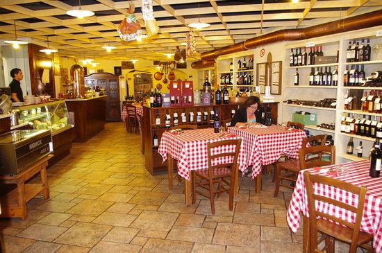 Osteria Antica Sosta : Indoor Dining