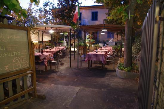 Osteria Antica Sosta : Outdoor Dining