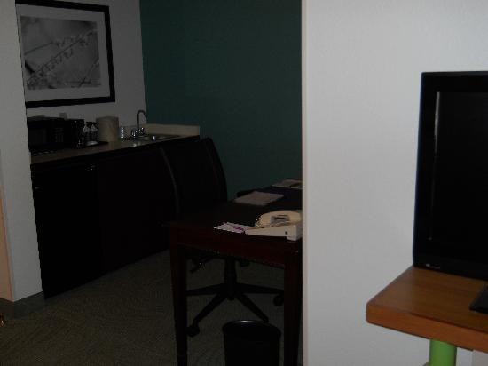 SpringHill Suites Louisville Hurstbourne/North: Wet bar area