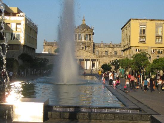 Guadalajara Metropolitan Area, México: Hospicio Cabañas al Fondo, Guadalajara, Méx.