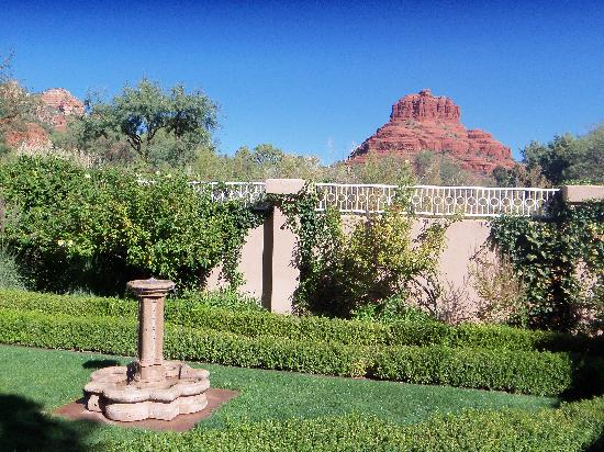 Canyon Villa Bed and Breakfast Inn of Sedona : patio view