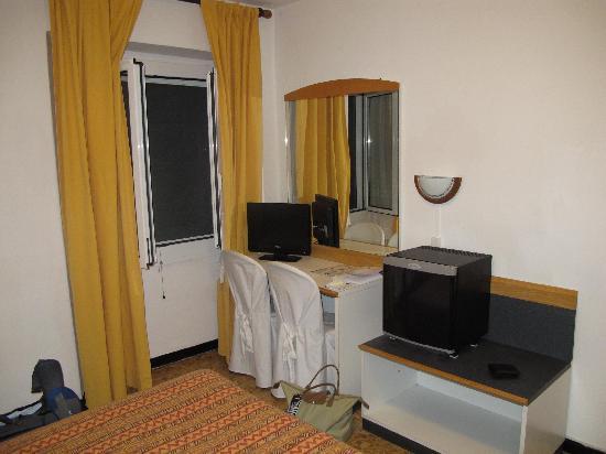 Hotel Agnello D'Oro : Our hotel room.