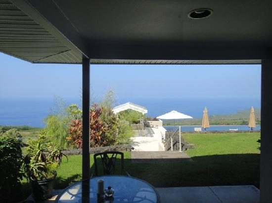 Horizon Guest House: Snorkelling at the Place of Refuge down the hill