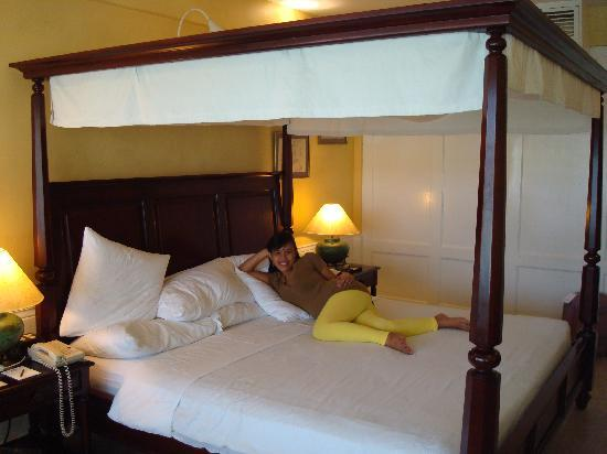 Plantation Bay Resort And Spa: Loved this big bed!