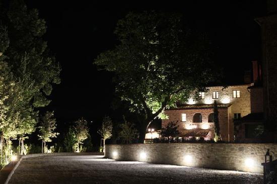 Borgo San Sisto : Questo è quello che si vede quando si arriva alla sera