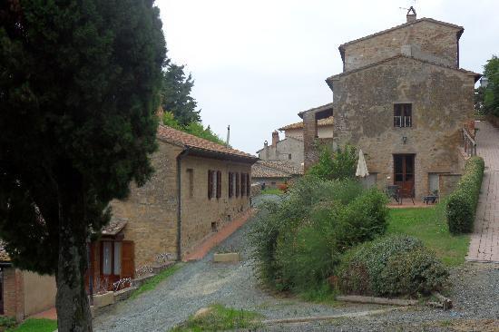 Borgo Il Castagno: Our villa on the right