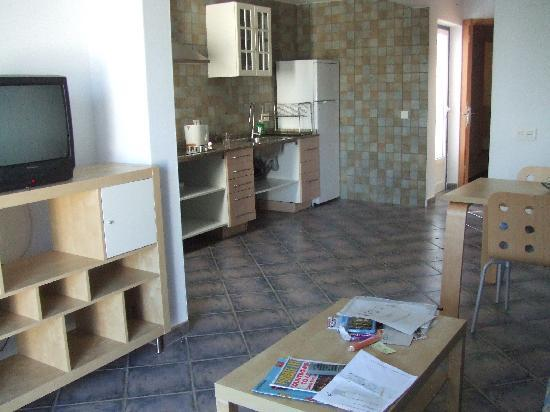 Nautilus Lanzarote: Lounge and kitchen