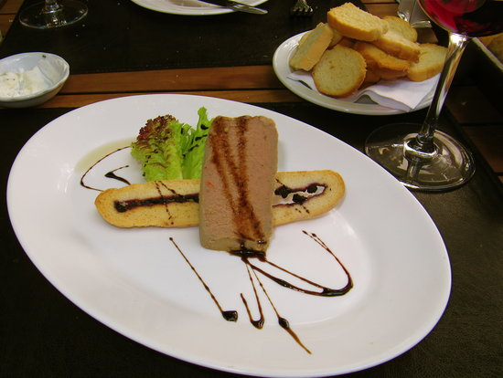 Cluny: Well presented food