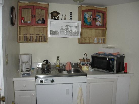 The Lightkeepers Inn : Kitchenette