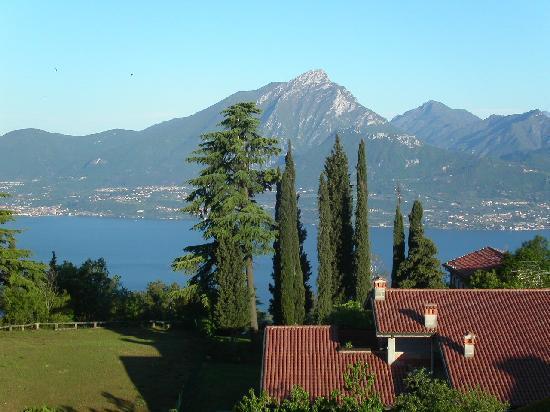 San Zeno di Montagna, Italien: Blick aus einer Suite im 2. Stock von Bella Vista