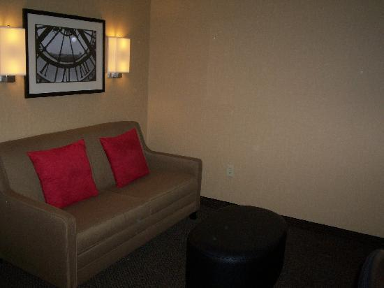Cambria hotel & suites: Living Room Area w/Sofa-Sleeper