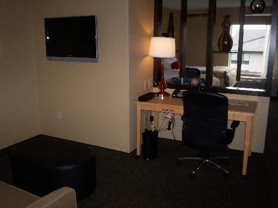 Cambria hotel & suites : Living Room Area w/Desk