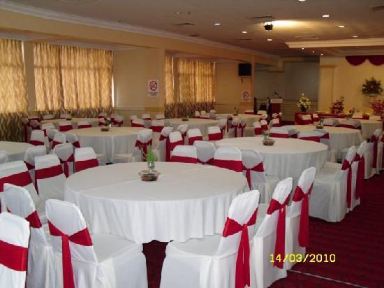 Hotel pelangi prices reviews muar malaysia tripadvisor hotel pelangi junglespirit Choice Image