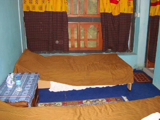 Druk Deothjung Hotel: Zimmer